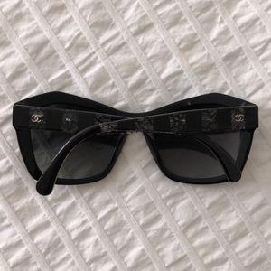 Chanel 5296 c. 501/S8 Polarized Sunnies